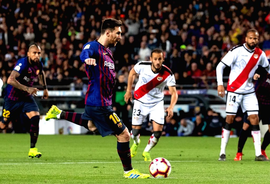 BARCELONA, March 10, 2019 - FC Barcelona's Lionel Messi (2nd L) scores from a penalty spot during a Spanish La Liga match between FC Barcelona and Rayo Vallecano in Barcelona, Spain, on March 9, ...