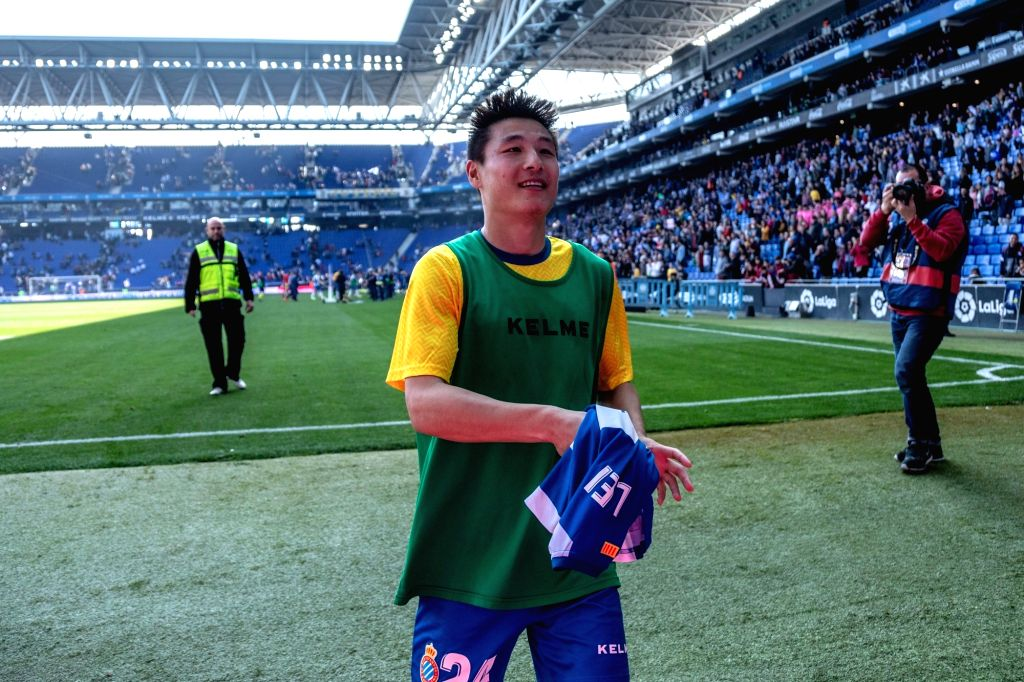 BARCELONA, March 2, 2019 - RCD Espanyol's Wu Lei (1st L) reacts after a Spanish league match between RCD Espanyol and Valladolid in Barcelona, Spain, on March 2, 2019. RCD Espanyol won 3-1.