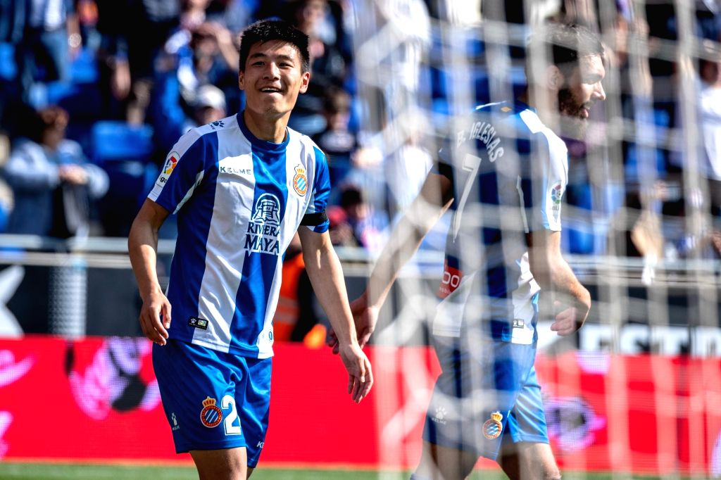 BARCELONA, March 2, 2019 - RCD Espanyol's Wu Lei (L) celebrates his goal during a Spanish league match between RCD Espanyol and Valladolid in Barcelona, Spain, on March 2, 2019. RCD Espanyol won 3-1.