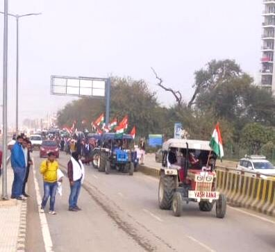 Barricades to open on Jan 26 as police allow Tractor Rally - Rally