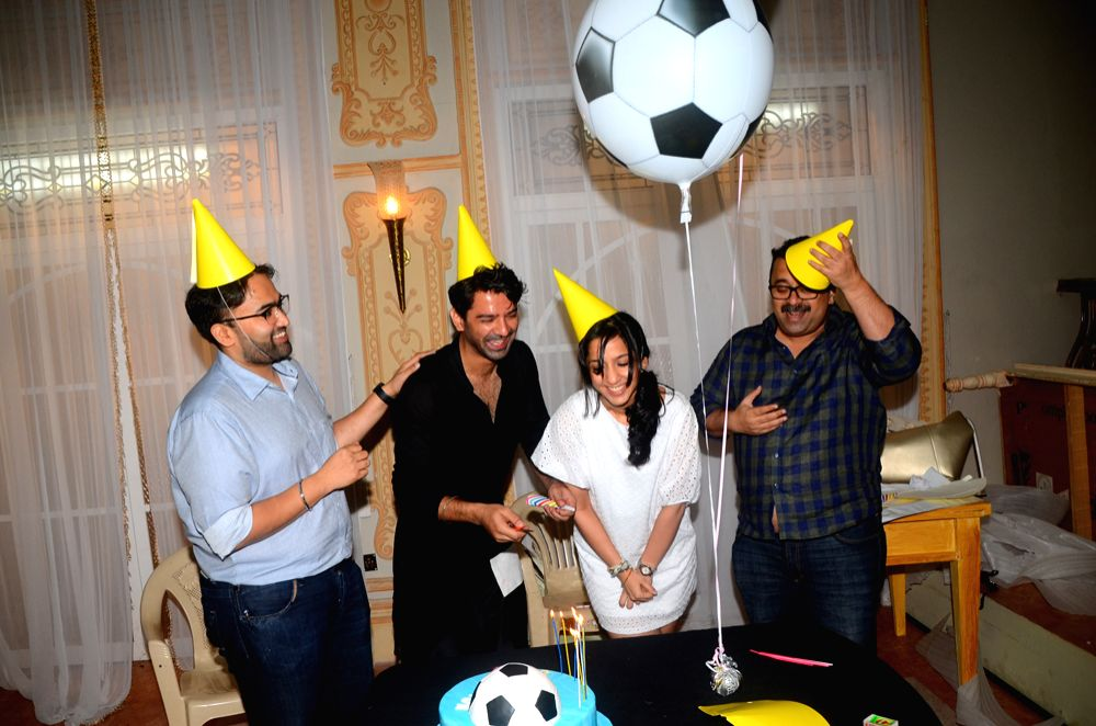 Barun Sobti celebrates birthday with makers of  Tu Hai Mera Sunday.