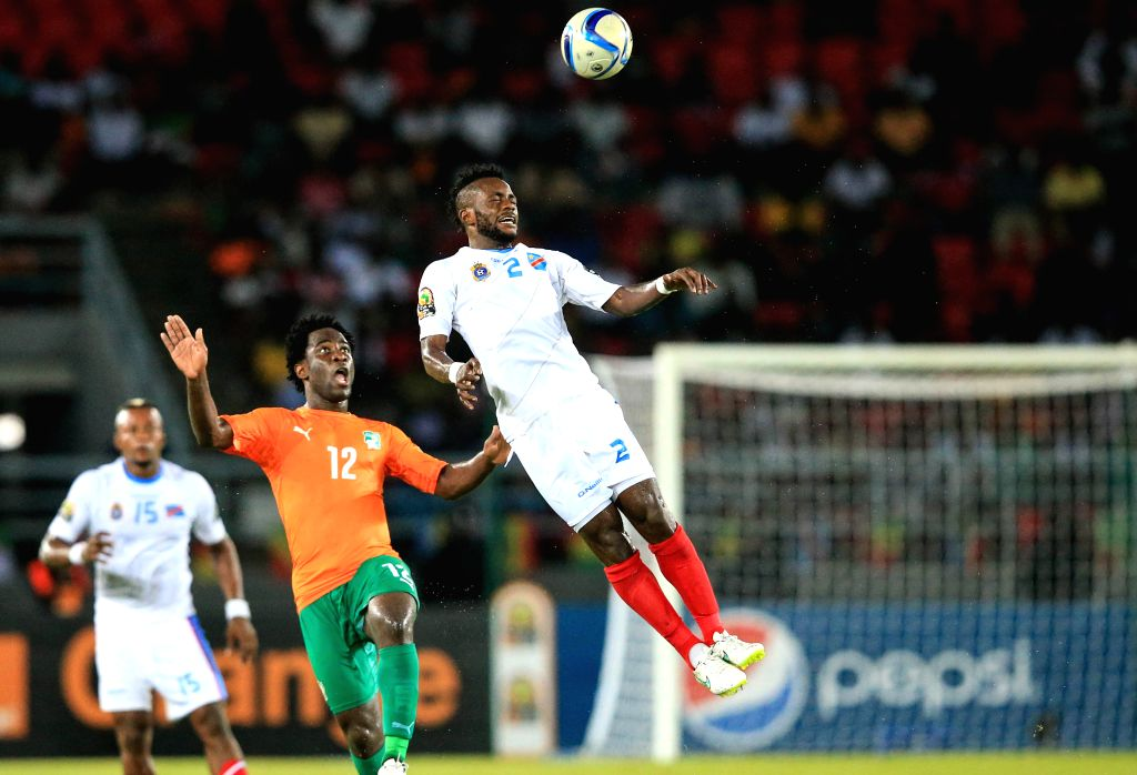 Issama Mpeko Djos (R) of the Democratic Republic of Congo (DR Congo) vies with Wilfried Guemiand Bony of Cote d'Ivoire during a semi-final match of Africa Cup of ...