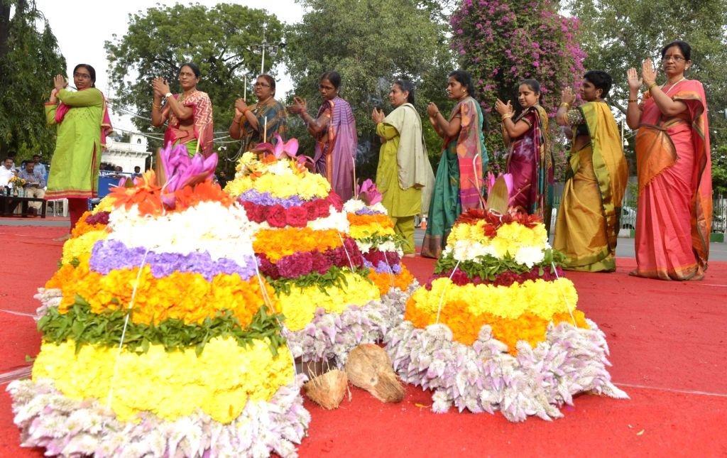 'Bathukamma' festival. (Photo: IANS)