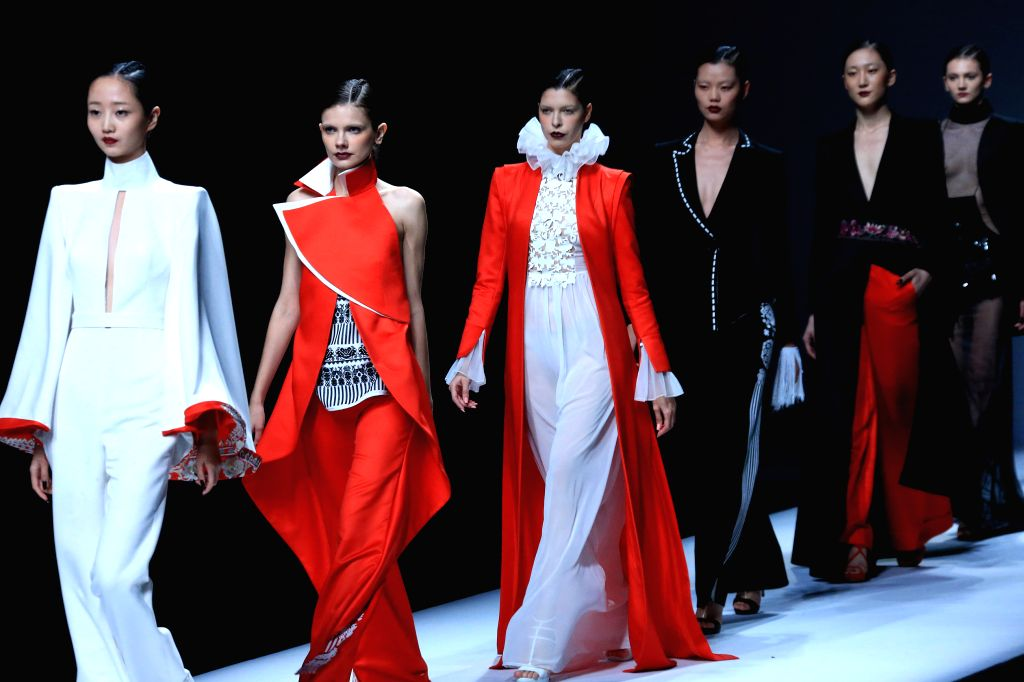 BEIJING, Oct. 29, 2016 - Models present creations of Maryma haute couture collection during the China Fashion Week in Beijing, capital of China, Oct. 28, 2016.
