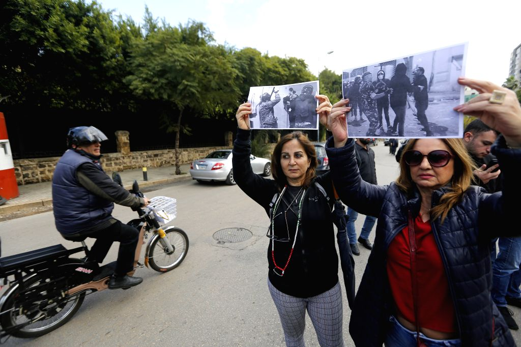 BEIRUT, Jan. 16, 2020 (Xinhua) -- Journalists stage a sit-in near the Interior Ministry to protest the attacks against media workers in Beirut, Lebanon, on Jan. 16, 2020. Lebanese caretaker Interior Minister Raya El Hassan on Thursday denied ordering - Raya E