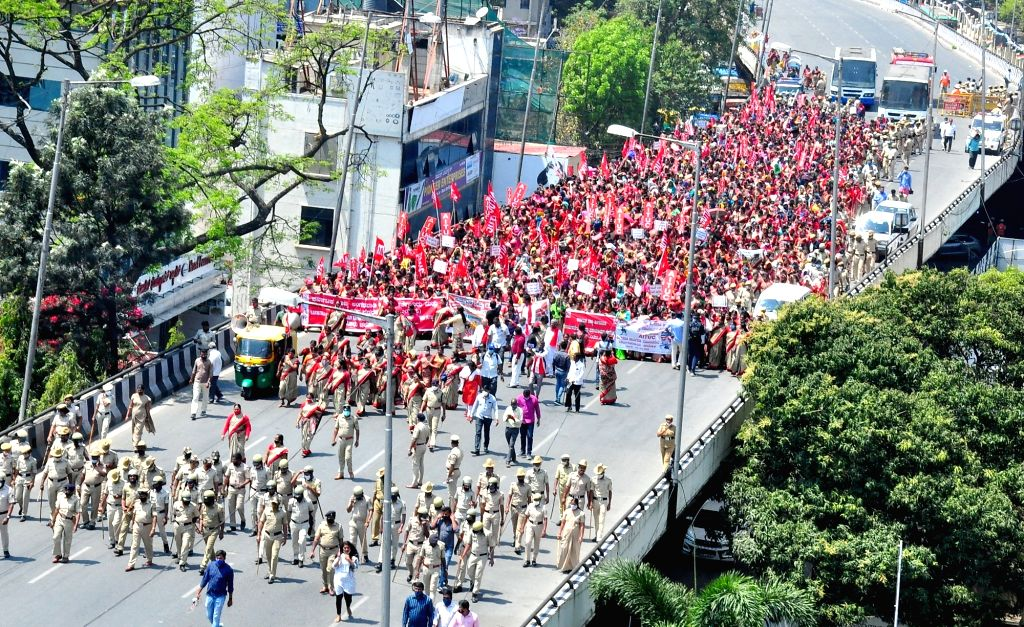 Bengaluru : Anganwadi workers protest rally from Bengaluru City Railway Station to Freedom Park, in Bengaluru on Tuesday 2nd March, 2021.