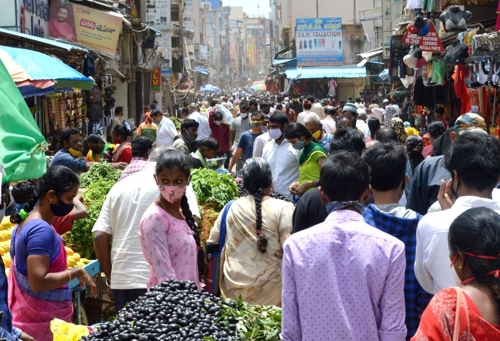 Bengaluru : Avenue Road is crowded, as the Karnataka government eased restrictions for travel amid ongoing Coronavirus lockdown, in Bengaluru on Friday, June 25, 2021