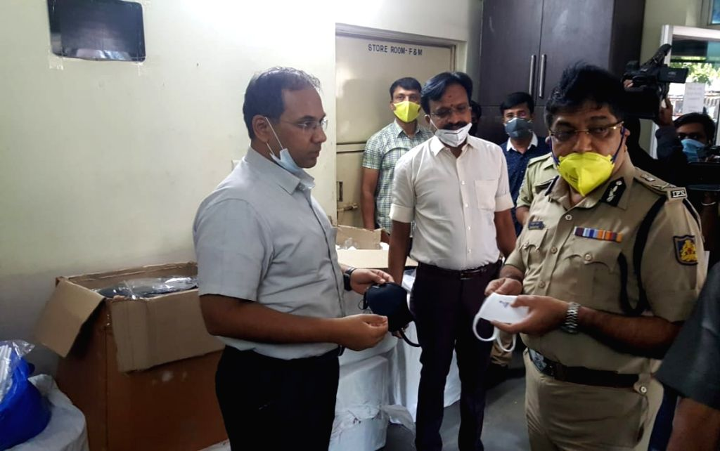 Bengaluru: Bengaluru police arrested a duo making fake N95 masks at Banaswadi in Bengaluru and seized 12,000 masks, on March 31, 2020. They were supplying the masks to medical shops and selling to anybody around Rs 500 a piece to milk the Covid panic