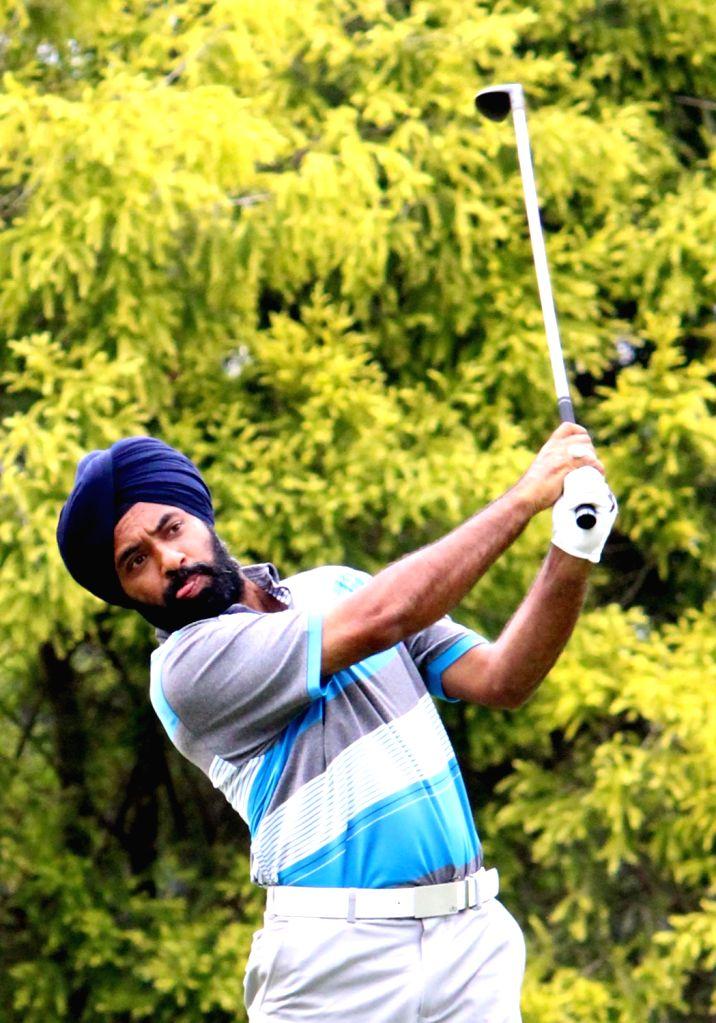 Bengaluru: Golfer Sujjan Singh in action during the Bengaluru Open Golf Championship 2017 on Nov 15, 2017. (Photo: IANS) - Sujjan Singh