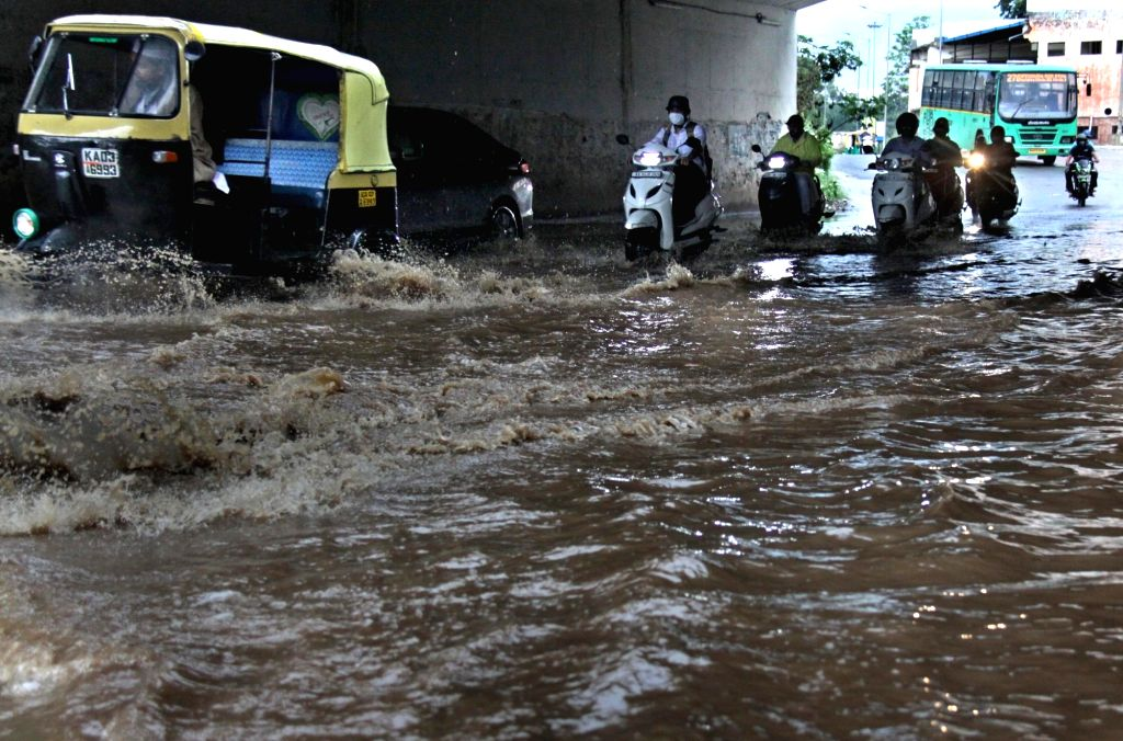 Bengaluru: Heavy rain alert in Karnataka districts. (Photo: IANS)