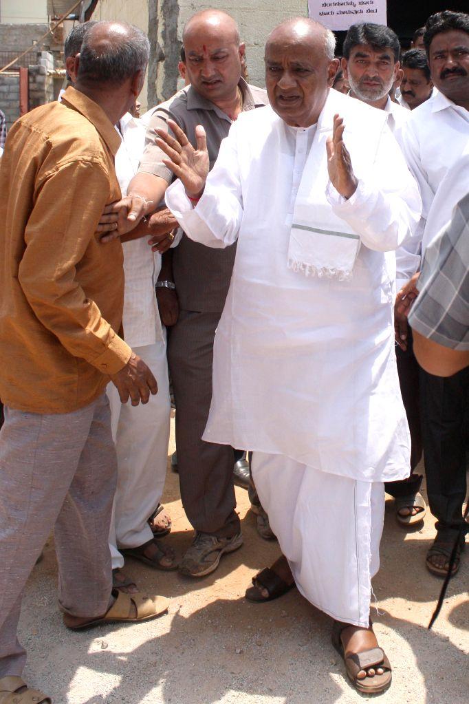 JDS supremo HD Deve Gowda leads a demonstration against splitting of BBMP in Bengaluru, on April 9, 2015.