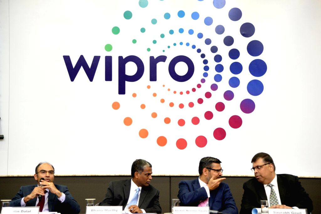 :Bengaluru: (L-R) Wipro CFO Jatin Dalal, President B.M. Bhanumurthy, CEO Abidali Z. Neemuchwala and Chief Human Resource Officer Saurabh Govil during a press conference to announce the second ...