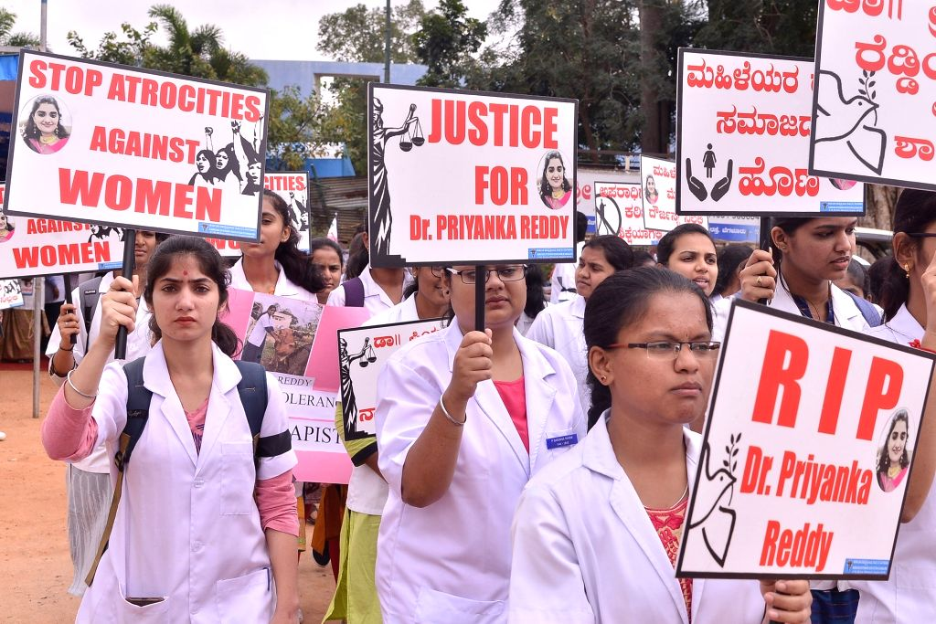 Bengaluru: Members of Pet Practitioners Association of Karnataka (PPAK), students of Veterinary College, Karnataka Veterinary Council (KVC) and Silicon city Kennel Club members stage a demonstration against the gruesome gang rape and murder of a woma