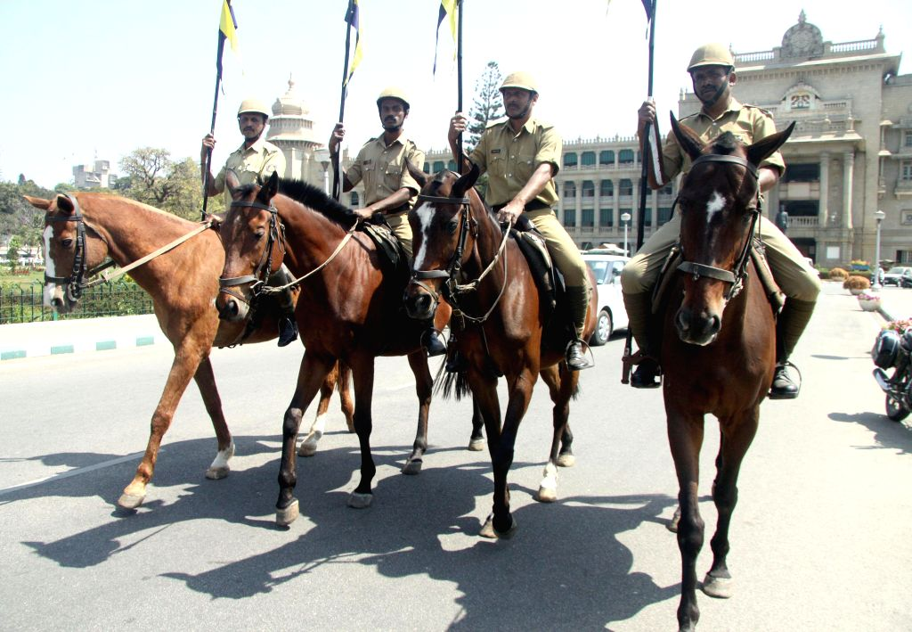 Bengaluru : Mounted policemen rehearsing for joint session at Vidhan Soudha, in Bengaluru on Feb. 1, 2015.