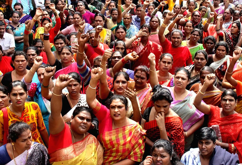 Bengaluru: People stage a demonstration against the Transgenders Persons (Protection of Rights) Bill 2016 that was passed by the Lok Sabha but is yet to be passed in the Rajya Sabha; in Bengaluru on Dec 19, 2018. (Photo: IANS)