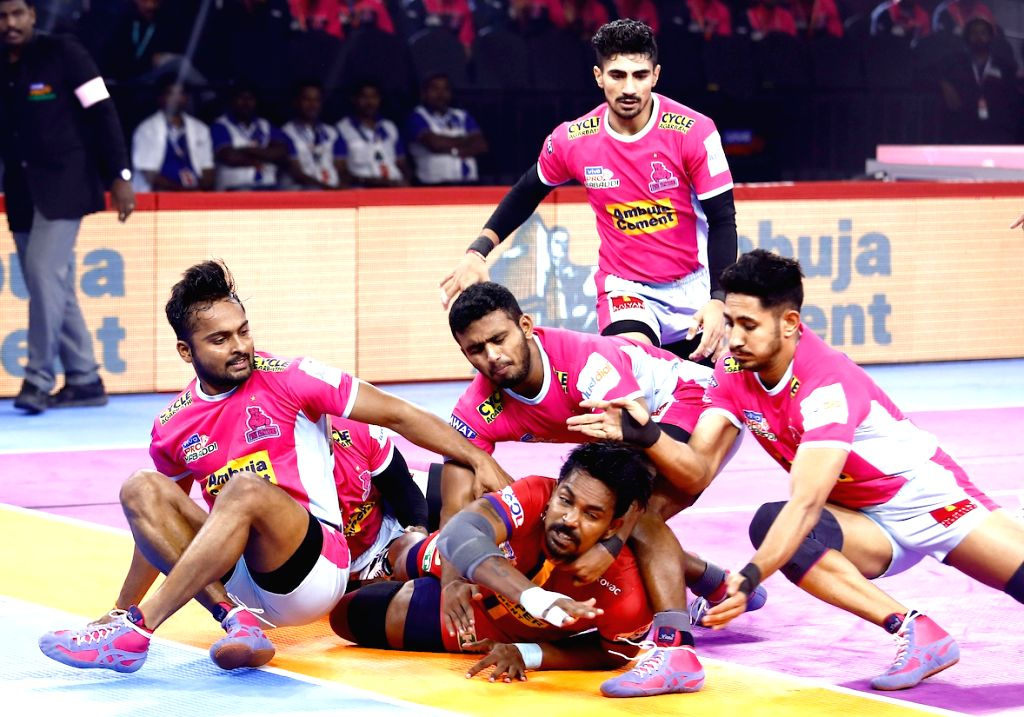 Bengaluru: Players in action during Pro Kabaddi Season 7 match between Jaipur Pink Panthers and Daban Delhi at Kanteerava Stadium in Bengaluru on Sep 4, 2019. (Photo: IANS)