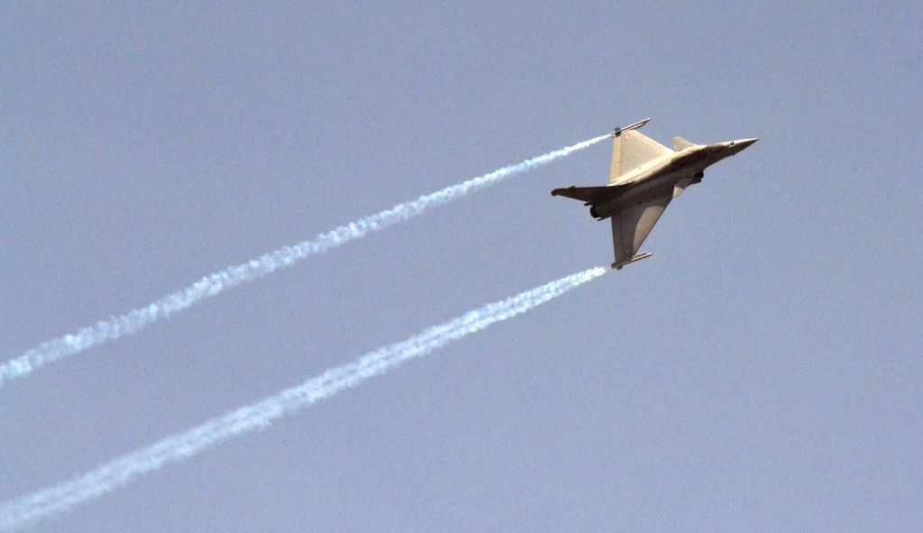 Rafale aircraft flies in Bengaluru skies during the rehearsal for the Aero India show 2015 at Yelhanaka Airforce Station on Feb 14, 2015.
