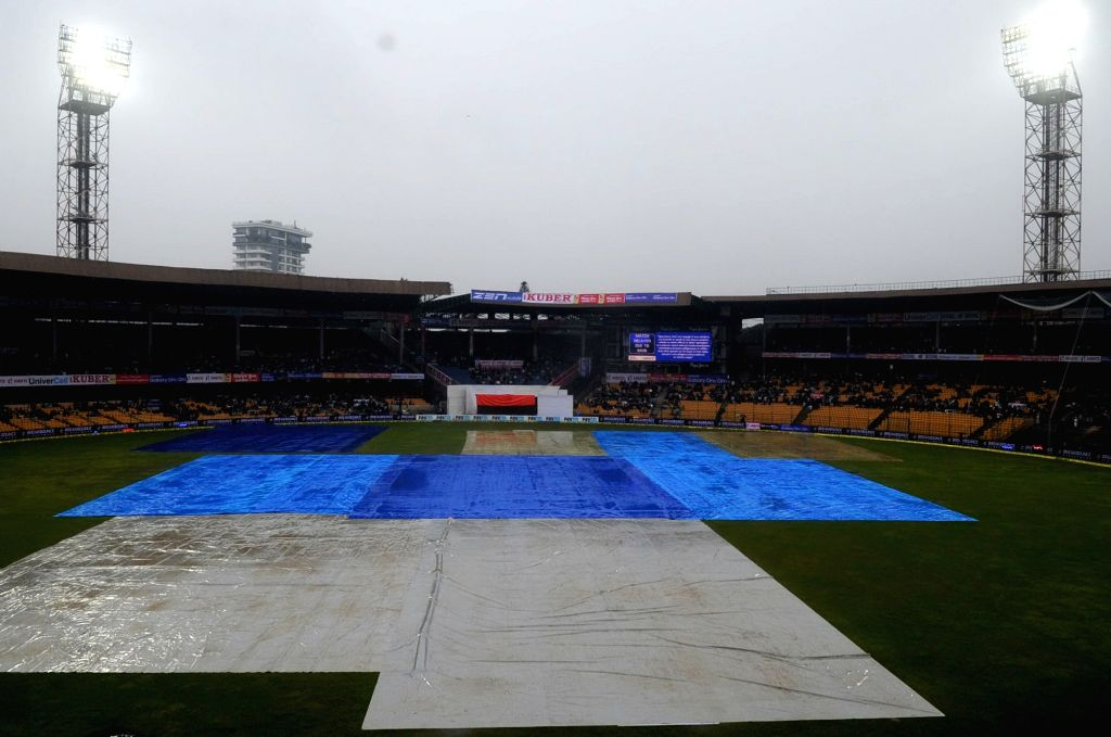 :Bengaluru: Rain delay the start of the 2nd day of the second test match between India and South Africa at M Chinnaswamy Stadium in Bengaluru, on Nov 15, 2015. (Photo: IANS).