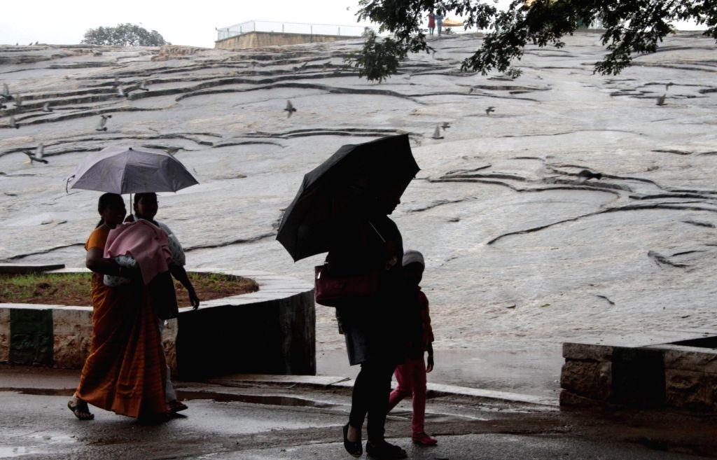 :Bengaluru: Rains lash Bengaluru on Nov 9, 2015. (Photo: IANS).