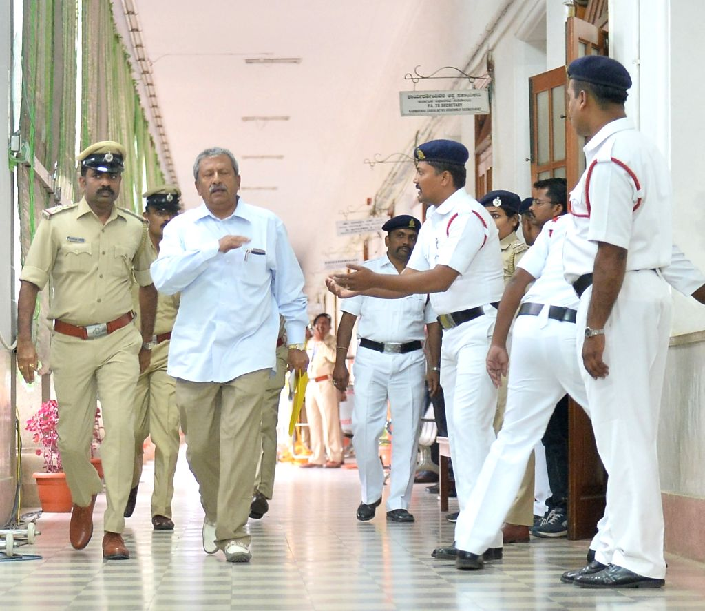 Bengaluru: Rebel Congress legislator Byrathi Basavaraj arrives at Karnataka Assembly Speaker Ramesh Kumar's chambers to submit his resignation letter in Bengaluru on July  11, 2019. (Photo: IANS) - Ramesh Kumar