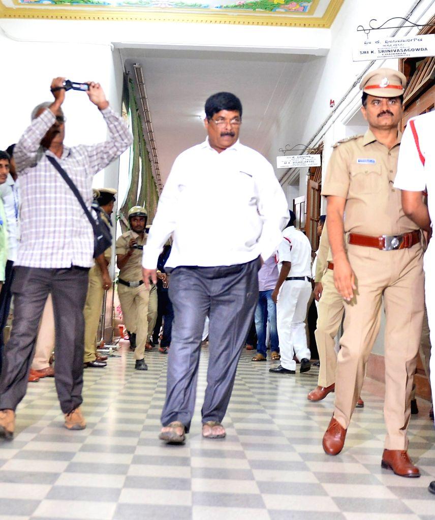 Bengaluru: Rebel JD(S) legislator K Gopalaiah arrives at Karnataka Assembly Speaker Ramesh Kumar's chambers to submit his resignation letter in Bengaluru on July  11, 2019. (Photo: IANS) - Ramesh Kumar