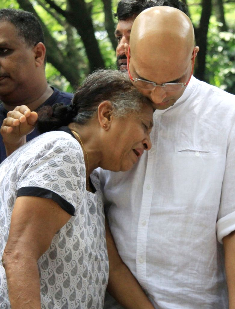Bengaluru: Senior Kannada journalist and social activist Gauri Lankesh's mother Indira Lankesh and brother Indrajith Lankesh during the public viewing of the mortal remains of Gauri ...
