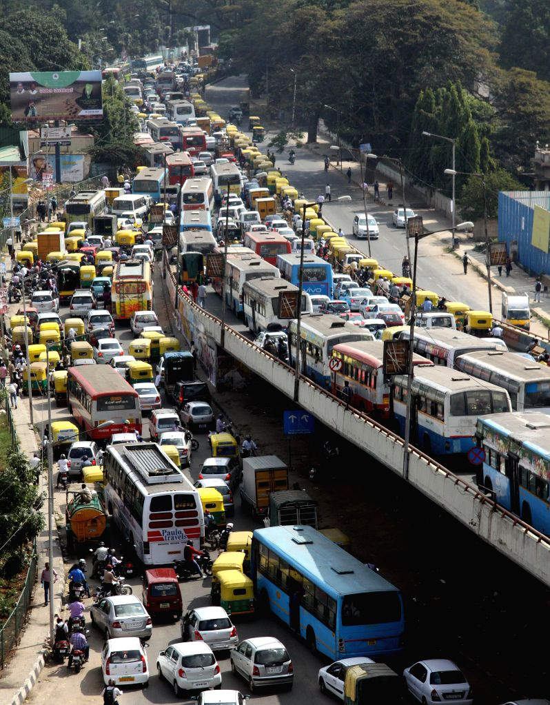 Traffic comes to a stand still at Anand Rao circle flyover as  Vice President Hamid Ansari`s convoy passes from the area in Bengaluru on Jan. 6, 2014.
