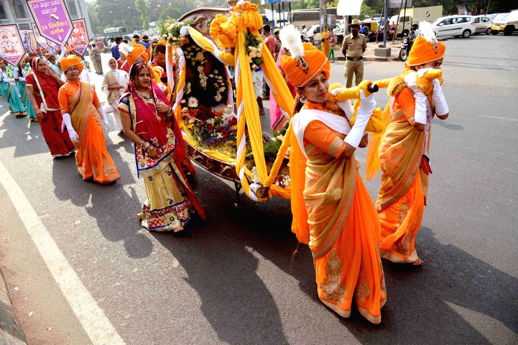 Women participate in a Mahavir Jayanti procession in Bengaluru on April 2, 2015.
