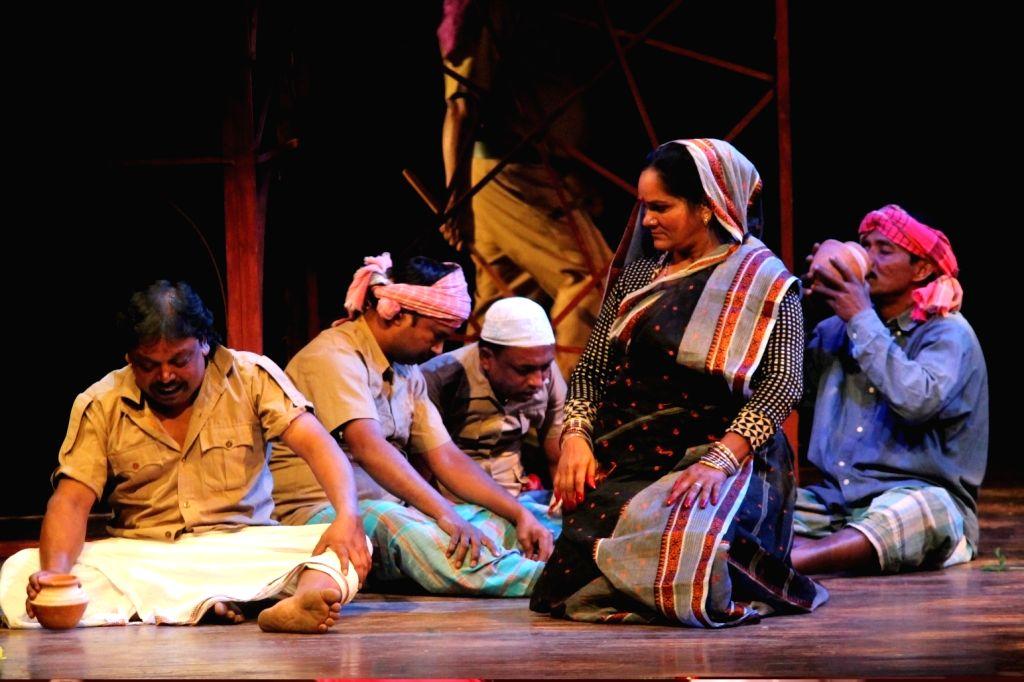 Berhampore inmates staging Rabindranath Tagore's Jakshapuri [Source - National School of Drama].