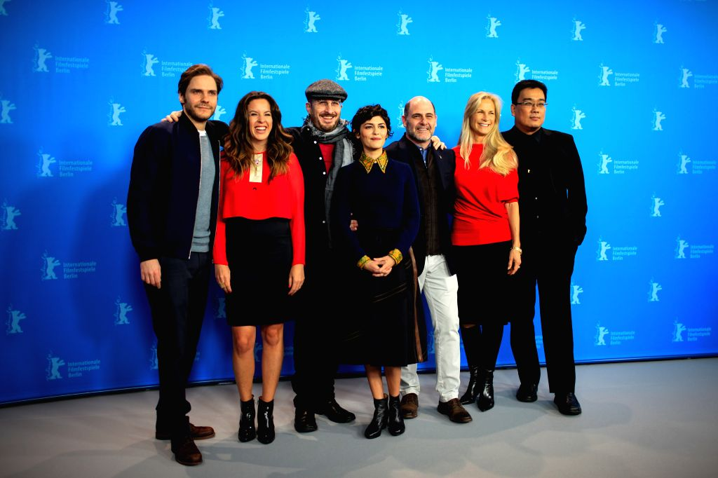 U.S. director Darren Aronofsky (3rd L), president of the jury, pose with other jury members during a photocall at the 65th Berlinale International Film Festival in ...