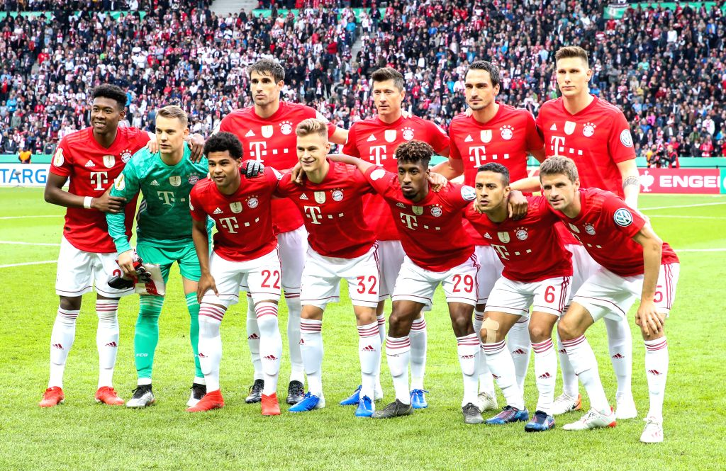 BERLIN, May 26, 2019 - Bayern Munich's players pose for group photos prior to the German Cup final between RB Leipzig and FC Bayern Munich in Berlin, capital of Germany, May 25, 2019. Bayern Munich ...