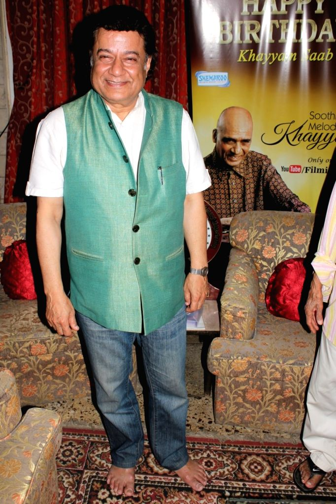 Bhajan singer Anup Jalota during the donation of Rupees One Lakh Fifty Thousand donation by Bollywood music composer Khayyam to Federation of Western India Cine Employees (FWICE) in Mumbai on ...