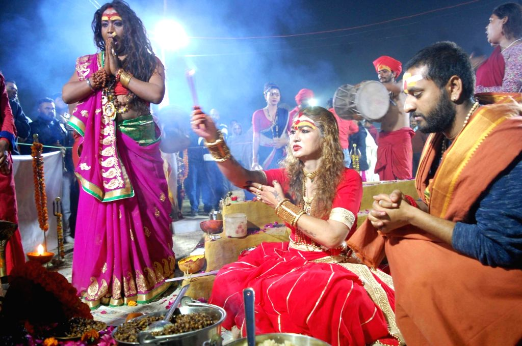 "Bhavani of Kinnar Akhara offers prayers to Goddess Kali on ""Mauni Amavasya"" during Kumbh Mela in Prayagraj, on Feb 4, 2019."