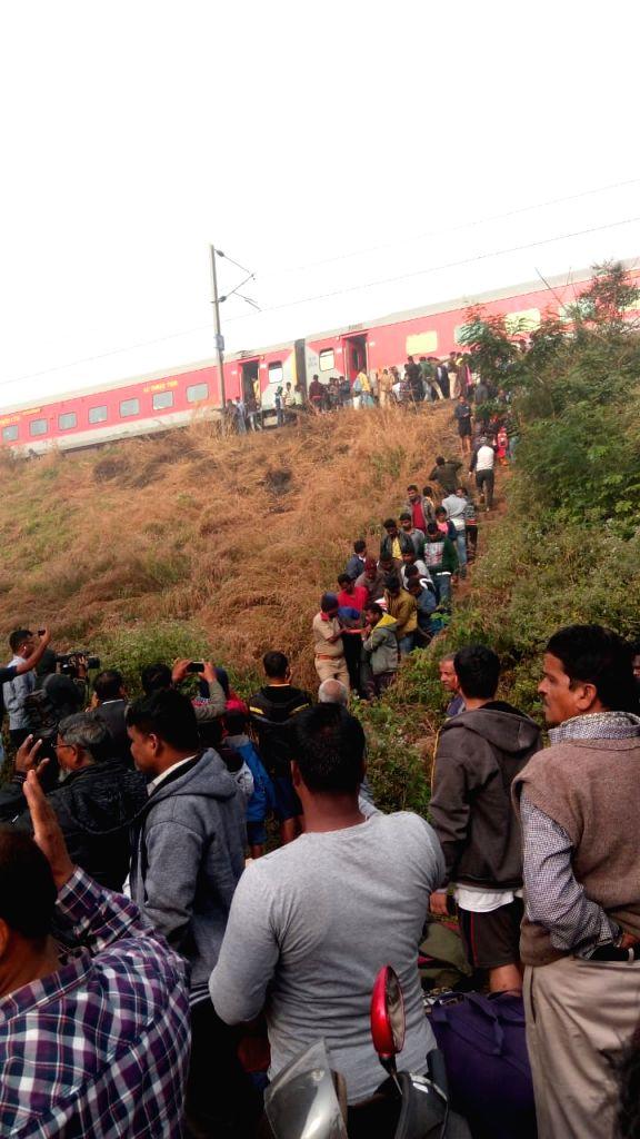 Bhubaneswar: As many as 20 passengers were injured when Mumbai-Bhubaneswar Lokmanya Tilak Terminus (LTT) Express derailed after hitting a goods train near Nergundi railway station in Odisha's Cuttack (Photo: IANS)
