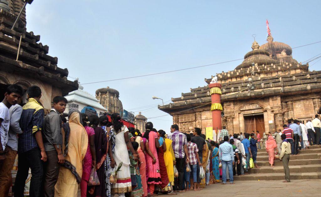 Devotees queue-up to worship lord Lingaraj on Mahashivratri at Lingaraja Temple in Bhubaneswar on Feb 17, 2015.