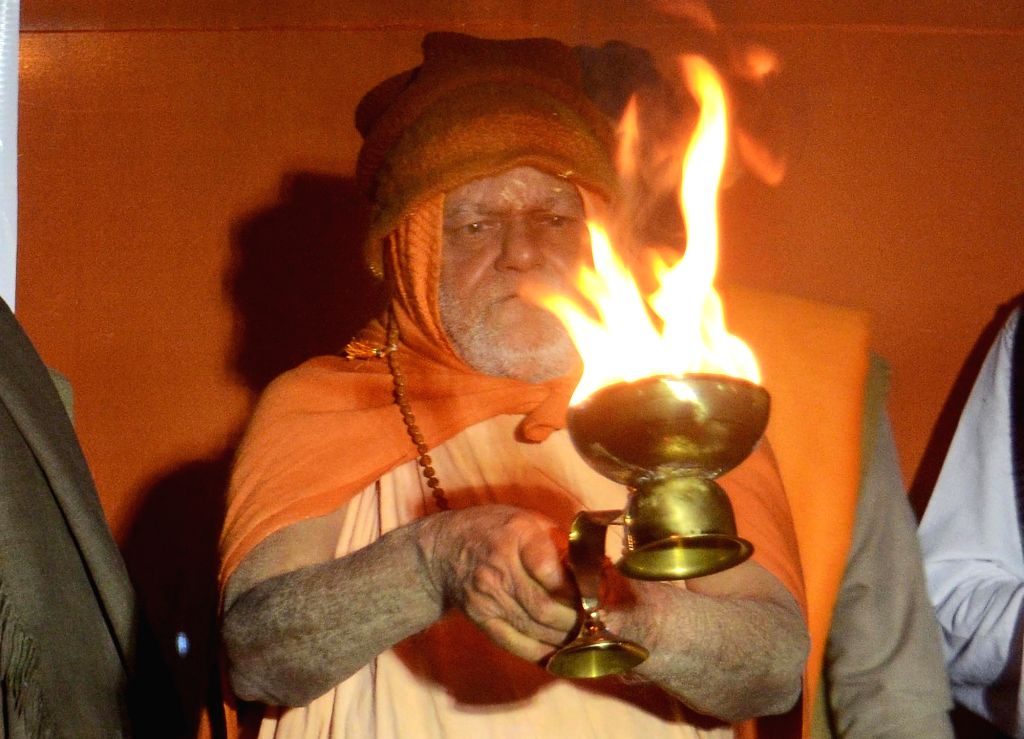 """Bhubaneswar, June 21 (IANS) Puri Shankaracharya Swami Nischalananda Saraswati on Sunday alleged that there was a """"well-orchestrated plan"""" to stall the Rath Yatra in Puri this year in view of COVID-19."""