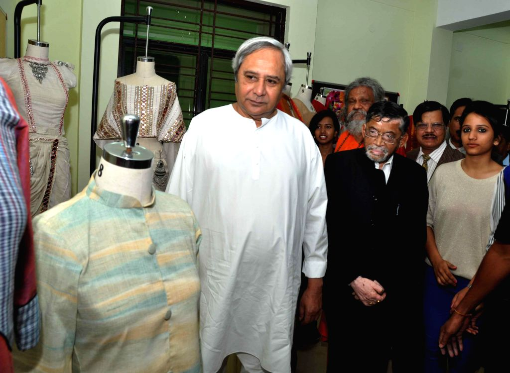 Orissa Chief Minister Naveen Patnaik and Union Textiles Minister Santosh Kumar Gangwar at `Design Sutra` - a daylong national-level exhibition and workshop organised at NIFT  in ... - Naveen Patnaik and Santosh Kumar Gangwar