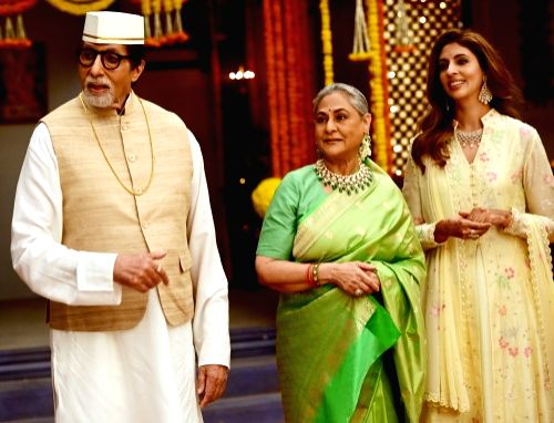 Big B, Jaya and Shweta
