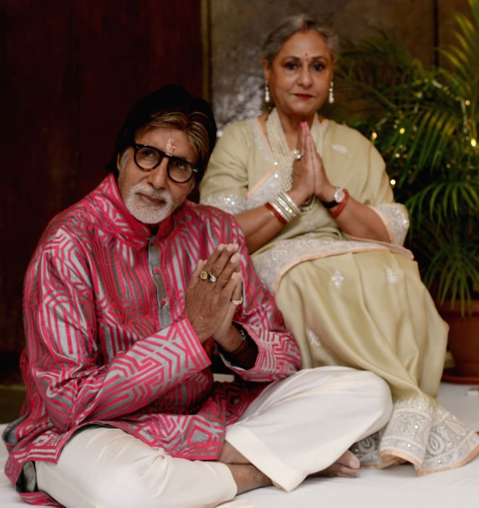 Big B misses wife Jaya on her birthday as she is stuck in Delhi.