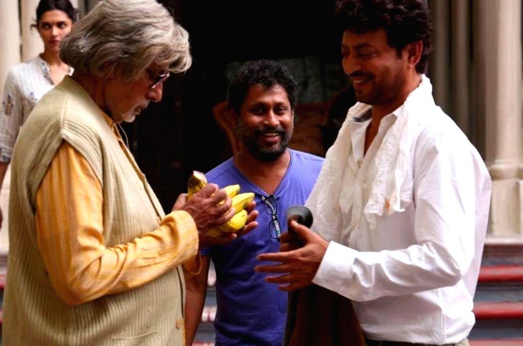 Big B remembers Sridevi, Irrfan.