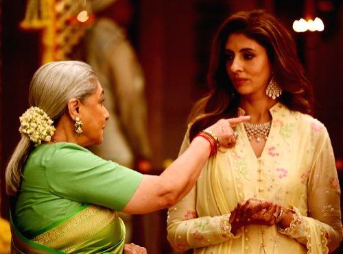 Big B shoots with wife Jaya, daughter Shweta