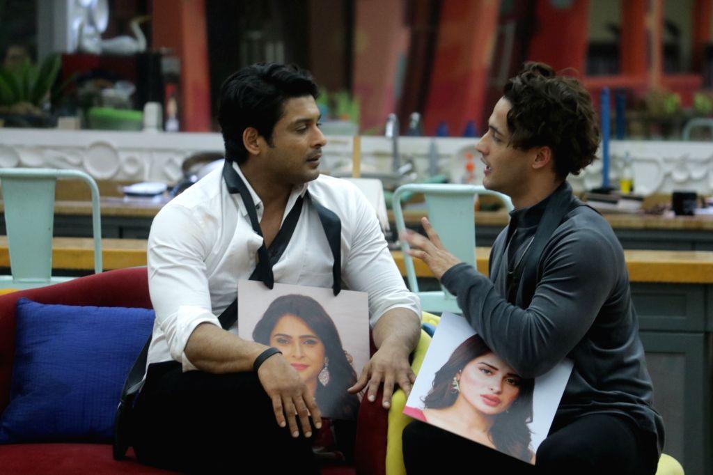 Bigg Boss 13 contestants Siddharth Shukla and Asim Riaz.