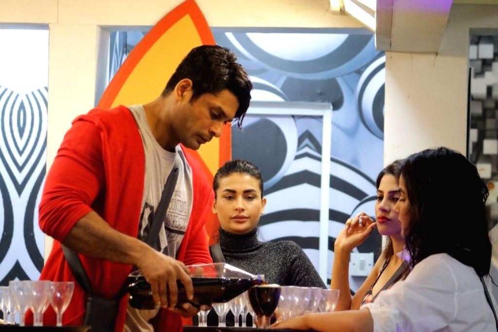 Bigg Boss 14': Rubina, Jasmin, Nikky, Pavitra to woo Sidharth for immunity