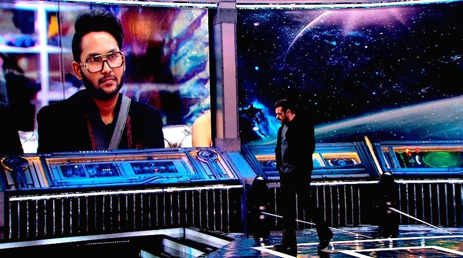 Bigg Boss 14: Salman Khan takes on Rahul for nepotism jibe at Jaan. - Salman Khan