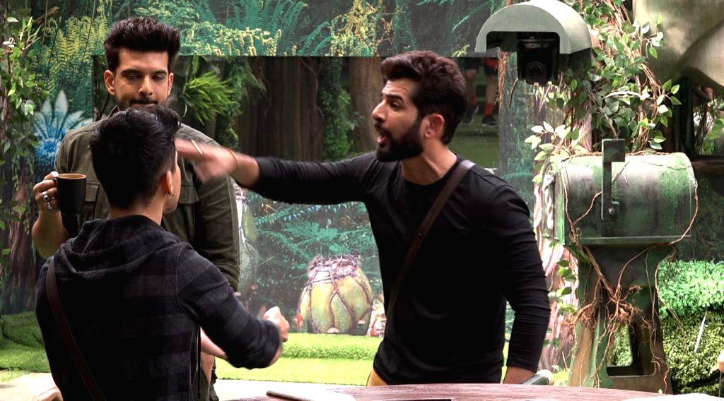 Bigg Boss 15: Big fight erupts between Afsana-Vidhi, Jay-Pratik.