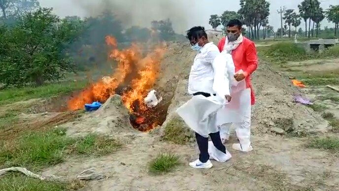 Bihar: BDO offered fire, last rites when loved ones left together.