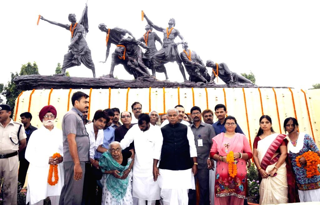 Bihar Chief Minister Jitan Ram Majhi during a programme organised on martyrs day at `Shahid Smarak` in Patna on Aug 11, 2014. - Jitan Ram Majhi