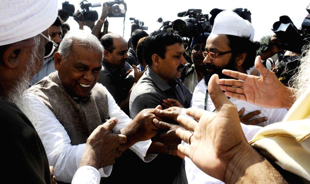 Bihar Chief Minister Jitan Ram Manjhi celebrate Eid-ul-Fitr in Patna on July 29, 2014.