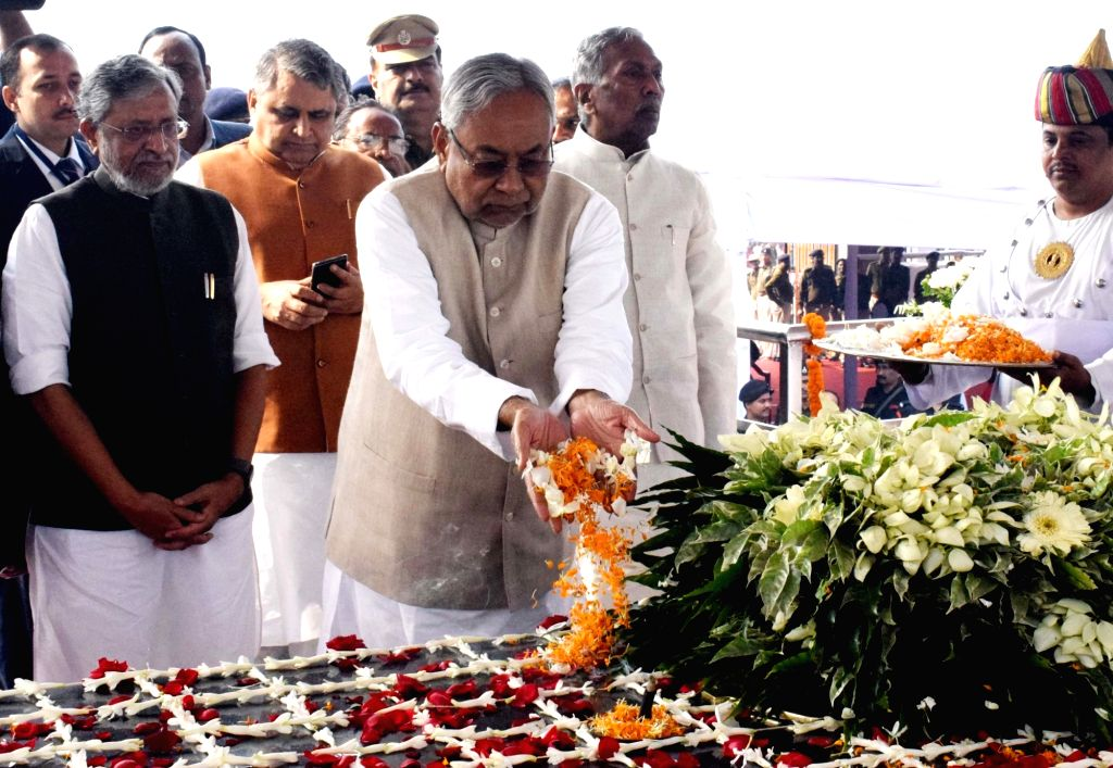 Bihar Chief Minister Nitish Kumar accompanied by state assembly Speaker Vijay Kumar Chaudhary and Deputy Chief Minister Sushil Kumar Modi, pays tributes to India's first President Rajendra ... - Nitish Kumar, Vijay Kumar Chaudhary and Sushil Kumar Modi