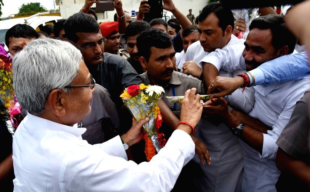 Bihar Chief Minister Nitish Kumar at Lok Nayak Jayaprakash Airport in Patna on Oct 5, 2016. - Nitish Kumar